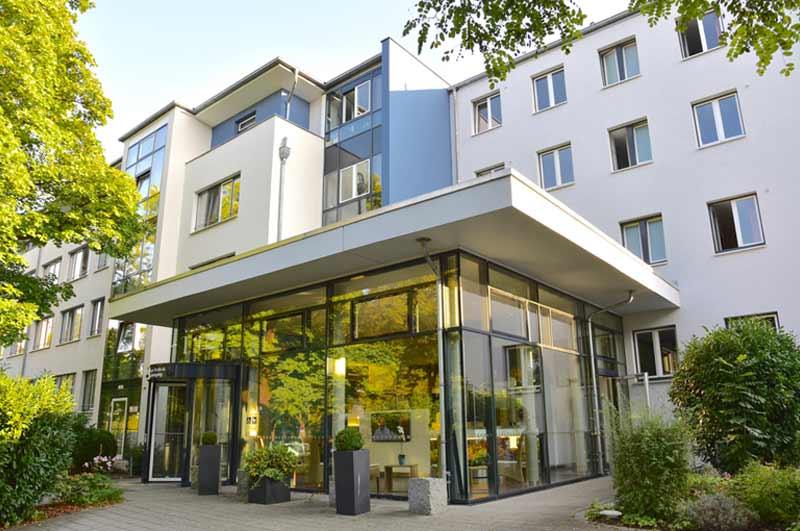 Eingang-Hof-1